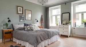 Małżeńska sypialnia musi być ładna i funkcjonalna, czyli dostosowana do potrzeb dwóch osób. Zobaczcie, jak urządzić to wyjątkowe pomieszczenie.