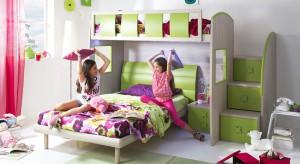 Aranżowanie wspólnej przestrzeni dla rodzeństwa to nie lada wyczyn. Zobaczcie jak urządzić pokój dwójki dzieci, by był ładny i praktyczny.