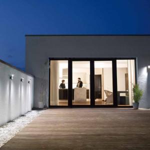 Produkty LED z serii Noxlite Noxlite HP Floodlight to sposób na efektowne i energooszczędne oświetlenie elewacji domu. To propozycja od marki Osram. Fot. Osram.