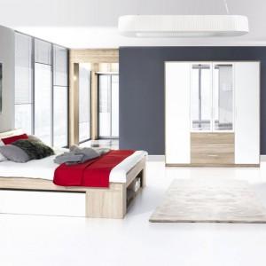 Minimalistyczny zestaw Milo marki Marmex w modnej kolorystyce drewno-biel, efektownie rozjaśni ciemne wnętrze. Komplet tworzą łóżko, 2 stoliki nocne, komoda i szafa z lustrem. Fot. Marmex.
