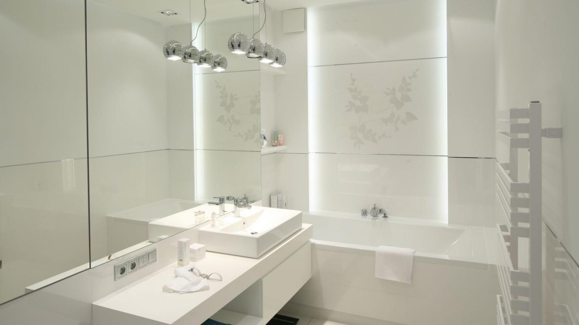 Biała łazienka Zobacz Gotowe Projekty Architektów