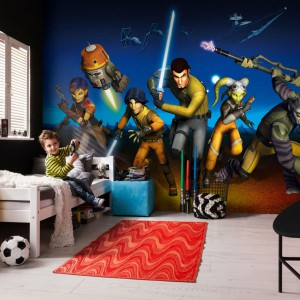 Efektowna fototapeta z motywem kultowego filmu Star Wars, marki Paper Moon, zmieni zwykły pokój chłopca w fantastyczną przestrzeń zabawy nauki i snu. Fot. Paper Moon.