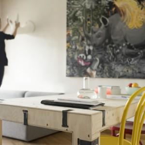 Pakiet jest systemem uniwersalnym. Świetnie sprawdzi się zarówno domu, jak i w mieszkaniach studenckich, biurach czy przestrzeniach gastronomicznych i sklepowych. Projekt: Zieta Prozessdesign. Fot. Zieta Prozessdesign.