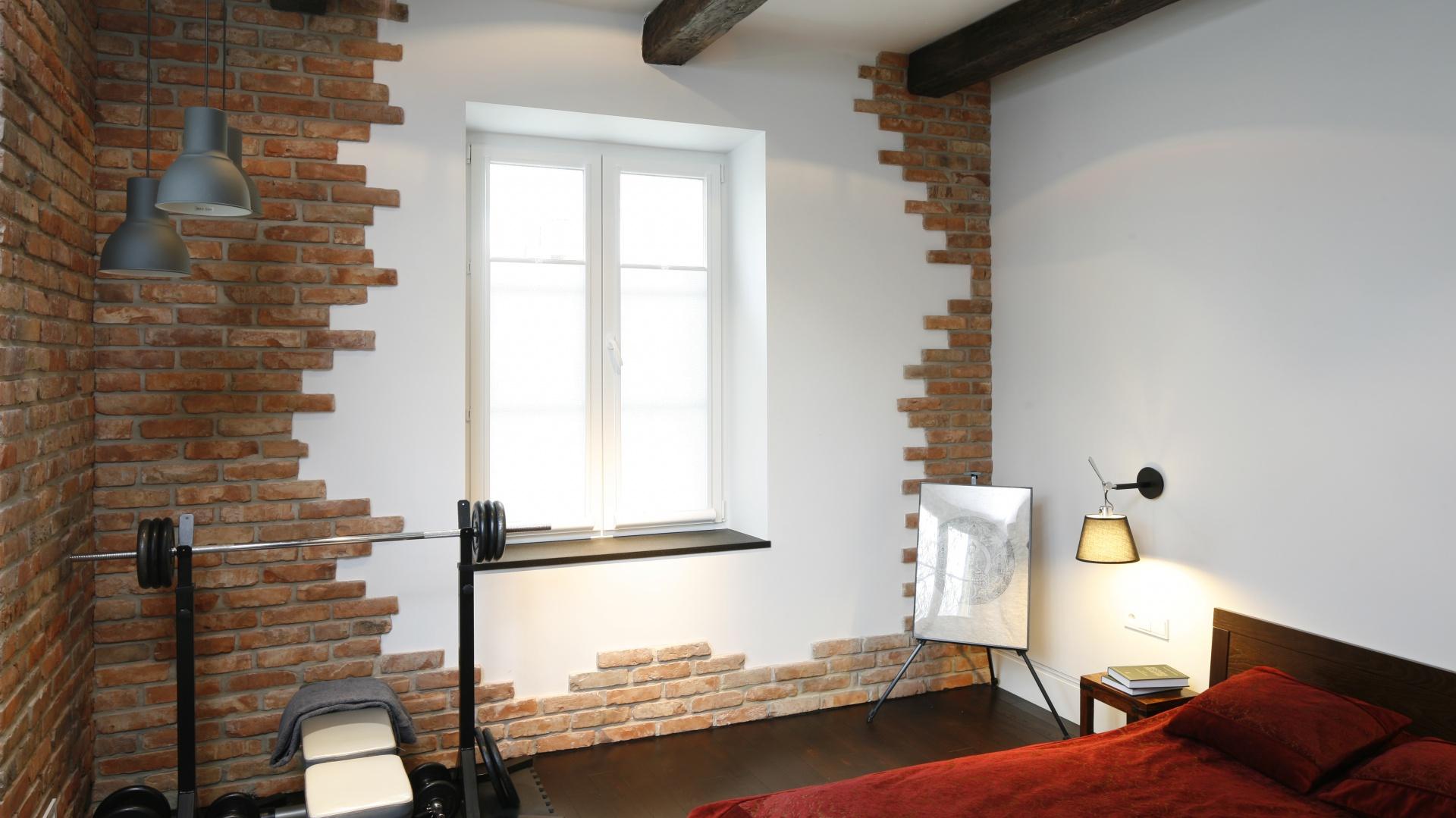 Ściana w sypialni. Piękne aranżacje z drewnem, kamieniem ...