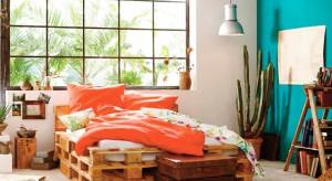 Ciepłe miesiące obfitują w żywe kolory, świeże zapachy i słodkie smaki. Zobaczcie, jak wykorzystując wiosenną kolorystykę stworzyć piękną, lekką aranżację sypialni.