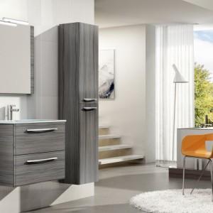 Meble w kolorze nugat to propozycja nieco bardziej stonowana. Doskonale sprawdzą się zarówno w małej, jak i duże łazience. Fot. Elita.