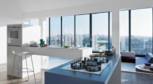 AGD w białym kolorze doskonale sprawdzi się w małej i dużej kuchni, w tej urządzonej w nowoczesnej, jak i klasycznej stylistyce. Zawszę będzie wyglądało elegancko, modnie i stylowo.<br /><br /><br />