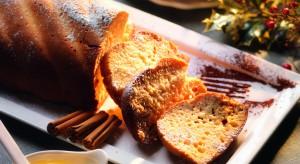 Pyszne ciasto z miodem, szczyptą wanilii i cynamonu. Pandolce będzie doskonałe na każdą okazję– czy to na rodzinne przyjęcie, czy po prostu jako dodatek do codziennej filiżanki kawy.