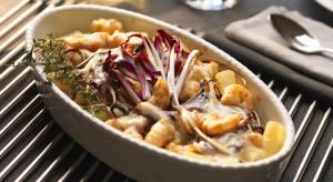 Rigatoni z radicchio i krewetkami, czyli makaron rurki z krewetkami i czerwoną cykorią to doskonały pomysł na obiad.Przepis z aplikacji myMenu Franke. Danie dla 4 osób.<br /><br />
