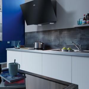Okap EVO zapewnia maksymalny komfort podczas przyrządzania posiłków, a także dyskretnie i skutecznie oczyszcza powietrze. Fot. Franke.