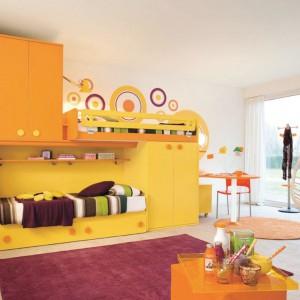 Pomarańcz to jedna z najbardziej energetycznych barw. Sprzyja pogodnym myślom, zwiększa motywację do działania, a także podnosi poczucie własnej wartości. Fot. Colombini Casa.