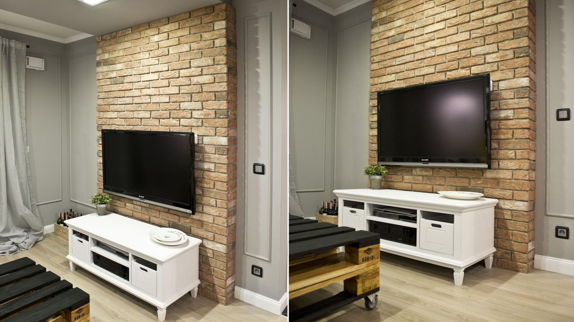 Ścianę za telewizorem... | Mieszkanie w stylu retro ...