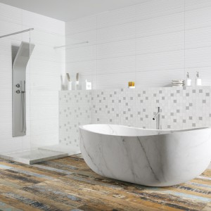 Podłoga z wyraźnymi przetarciami dobrze sprawdzi się w łazienkach urządzonych w stylu loft. Na zdjęciu: płytki z kolekcji Neutral. Fot. Aparici.