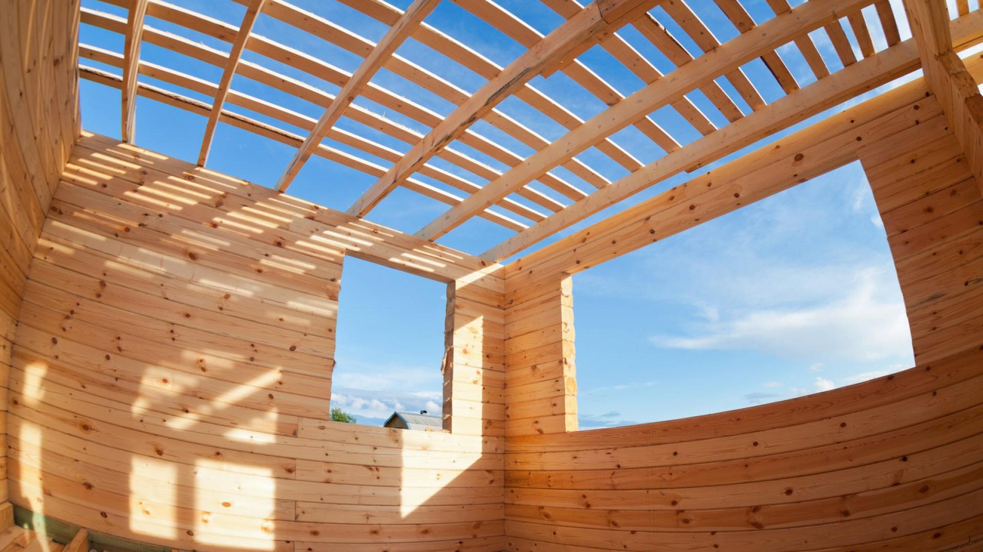 Głównym założeniem zmiany Ustawy Prawo Budowlane oraz niektórych innych ustaw, z dnia 20 lutego 2015 r. jest usprawnienie procesu budowlanego poprzez zniesienie obowiązku uzyskiwania decyzji o pozwoleniu na budowę określonych obiektów. Fot. Warsaw Build