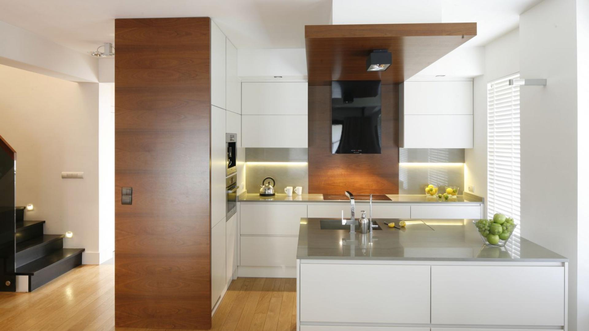 Jasna Kuchnia Ocieplona Drewnem 12 Propozycji Projektantów