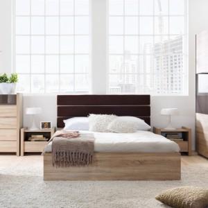 Szafa, szafki i komody sprawiają, że w sypialni wszystko ma swoje miejsce. Trzeba jednak pamiętać, żeby nie zastawić zbytnio pomieszczenia. Fot. Black Red White.