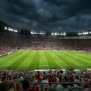 Powierzchnia boiska 68x105 m: 7. 140 m². Fot. Stadion Wrocław.