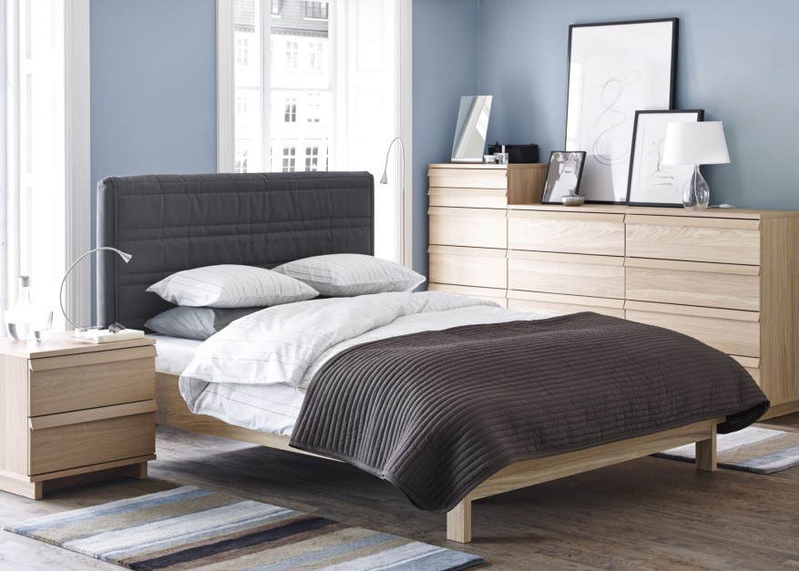 Pikowany zagłówek nie jest...  Meble do sypialni: łóżko z pikowanym zagłówkiem  Strona: 5
