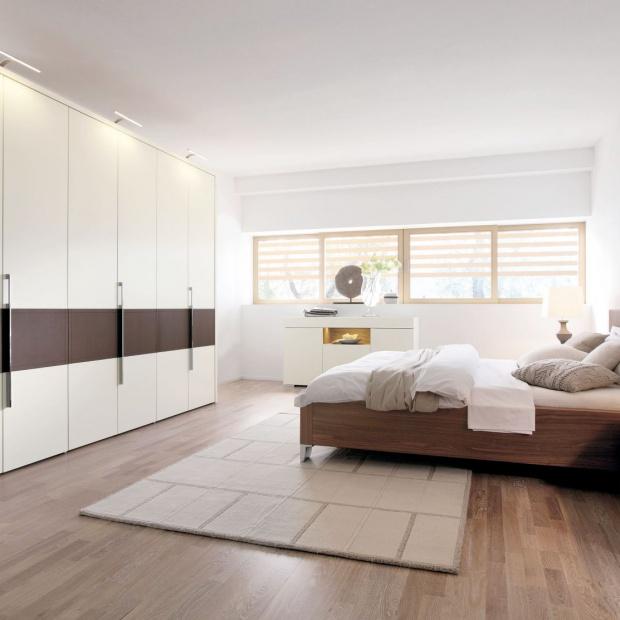 Szafy i komody do sypialni. 12 pomysłów na przechowywanie