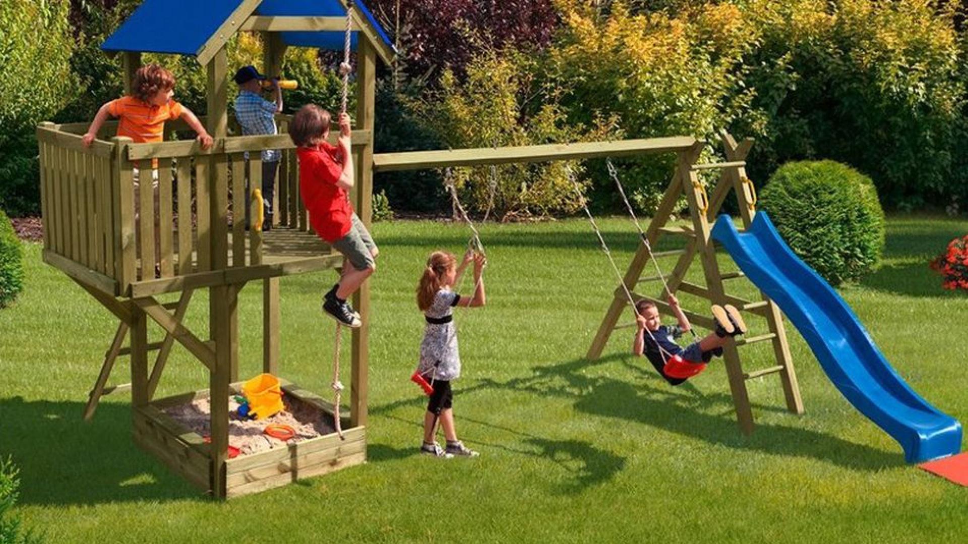 Zestaw do zabawy Multi-Play Big Snake doskonale sprawdzi się w dużym ogrodzie. Zestaw firmy Delta Gartenholz. Fot. Obi.