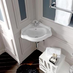 Decydując się na urządzanie łazienki w stylu retro możemy wyposażyć ją w stylizowaną ceramikę i armaturę. Na zdjęciu: umywalka z kolekcji Retro. Fot. Kerasan.