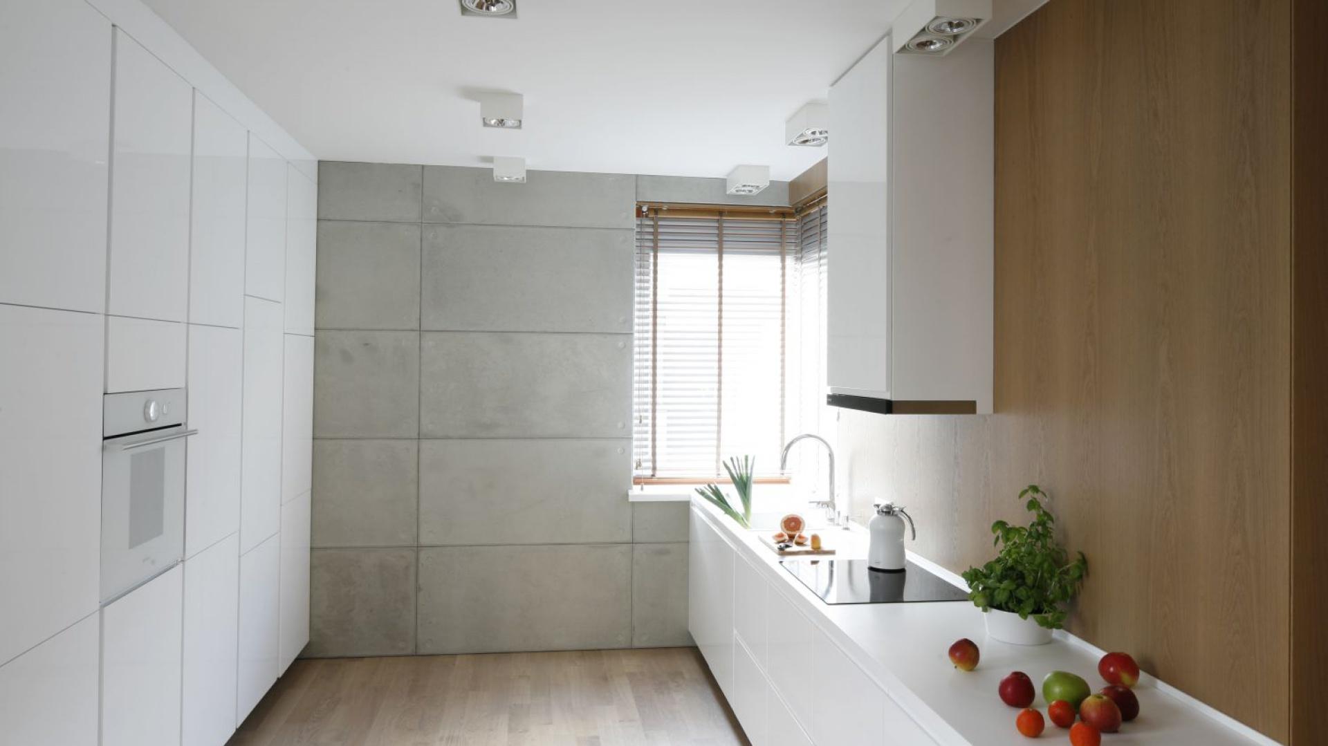Szare ściany W Kuchni 15 Modnych Wnętrz Z Polskich Domów