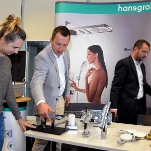 Na stoisku Hansgrohe można było obejrzeć najnowsze baterie tej firmy. Na pytania odpowiadali Michał Bednarski oraz Maciej Rutkowski.