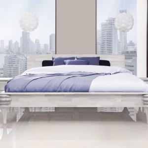 Białe łóżko Paris dostępne w sklepie Beds.pl to propozycja dla wielbicieli elegancji i prostoty z dekorem przyciągającym wzrok. Poza wyjątkowym designem łóżko cechuje także solidność jaką gwarantuje dębowa konstrukcja. Fot. Beds.pl.