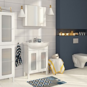 Ceramika łazienkowa z kolekcji Arteco o lekko zaokrąglonych kształtach. W kolekcji znajdziemy również meble o prostym, funkcjonalnym wzornictwie. Wiele rozmiarów umnywalek oraz szafek podumywalkowych umożliwia aranżację łazienki o każdym metrażu. Fot. Cersanit.