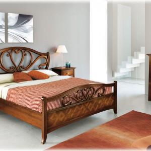 Wyposażenie do klasycznych wnętrz produkowane jest często z wysokiej jakości, naturalnych materiałów, takich jak lite drewno i fornir. To doskonałe rozwiązanie dla osób lubiących ekologiczny styl życia i ceniących kontakt z naturą. Fot. Arteferretto.