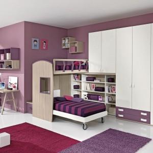 Jeżeli dysponujemy dużą przestrzenią możemy pokusić się mebel, będący połączeniem szafy i łóżka piętrowego. Fot. Giessegi.