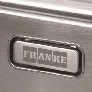 Ukryty przelew Franke oznacza przede wszystkim łatwiejsze czyszczenie, ale stanowi także element ozdobny. Fot. Franke.