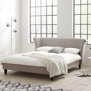 Biel, znakomicie prezentuje się zarówno w eleganckim, jak i loftowym wydaniu. Łóżko Kaitlin dostępne w sklepie Stay In Bed. Fot. Stay In Bed.