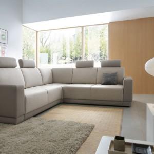 Doskonale dopasowane kształty narożników i sof z kolekcji West idealnie wypełnią pustą przestrzeń w mieszkaniu. Wszystkie detale mebla komponują się ze sobą, tworząc niespotykanie harmonijną bryłę. Fot. Meble Wajnert.