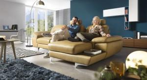 Sofa to podstawowy element wyposażenia każdego salonu, a modele z funkcją spania wciąż ciszą się niesłabnącą popularnością. Dlaczego? Bo łączą one to co lubimy najbardziej - estetykę z funkcjonalnością.
