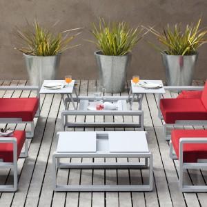 Wygodne meble z kolekcji Kama dostępne w ofercie marki Ego Paris. Sprawdzą się zarówno w ogrodzie, jak i na trasie. Projekt: Benjamin Ferriol. Fot. Ego Paris.