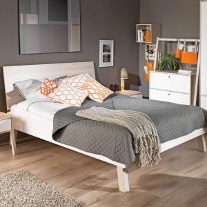 Styl skandynawski to jeden z popularniejszych trendów ostatnich lat. Warto zastosować go również w sypialni nastolatki, dzięki czemu będzie ona funkcjonalna i zyska subtelny urok. Kolekcja Spot marki Meble Vox. Meble Vox.