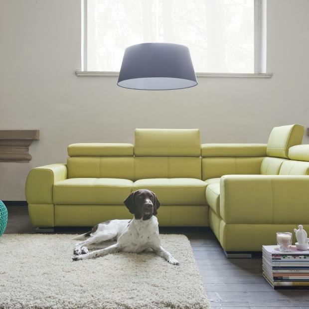Sofa w salonie. Modne modele w skórze