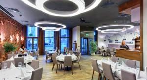 Włoska restauracja Trattoria Murano znajduje się na warszawskim Muranowie, w budynku biurowym Murano Park. Zajmuje powierzchnię około 200 m². Za projekt wnętrza odpowiedzialna jest pracownia Pik Studio.