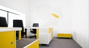 Bar Barbara to ponad 1200 m2 nowoczesnej, multifunkcjonalnej powierzchni, będącej wizytówką polskiej, współczesnej myśli projektowej. Biura, kawiarnia, sale konferencyjne, ekspozycyjne i wypoczynkowe to nowoczesna pod względem formy przestrzeń.