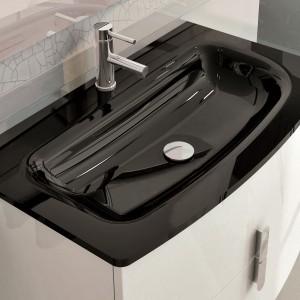 Umywalka szklana Leo w kolorze black. Fot. Elita.