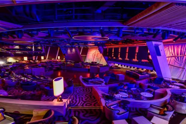 Wnętrze jednego z największych – wycieczkowych statków świata