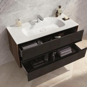 Szafka z umywalką z kolekcji Metropole VitrA ma dwie szerokie szuflady. Fot. VitrA.