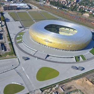 Stadion wraz z infrastrukturą techniczną powstał na działce o powierzchni 25,7 ha. Teren ma kształt nieregularnego wielokąta. Fot. Artur Ryś.