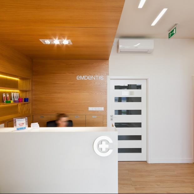 Nowoczesne wnętrze Centrum Stomatologicznego