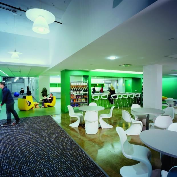 Wnętrza biur Google – zobacz jak można pracować
