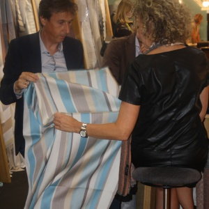 Modne będą tkaniny dekoracyjne w paski. Fot. Alicja Pietrowska.