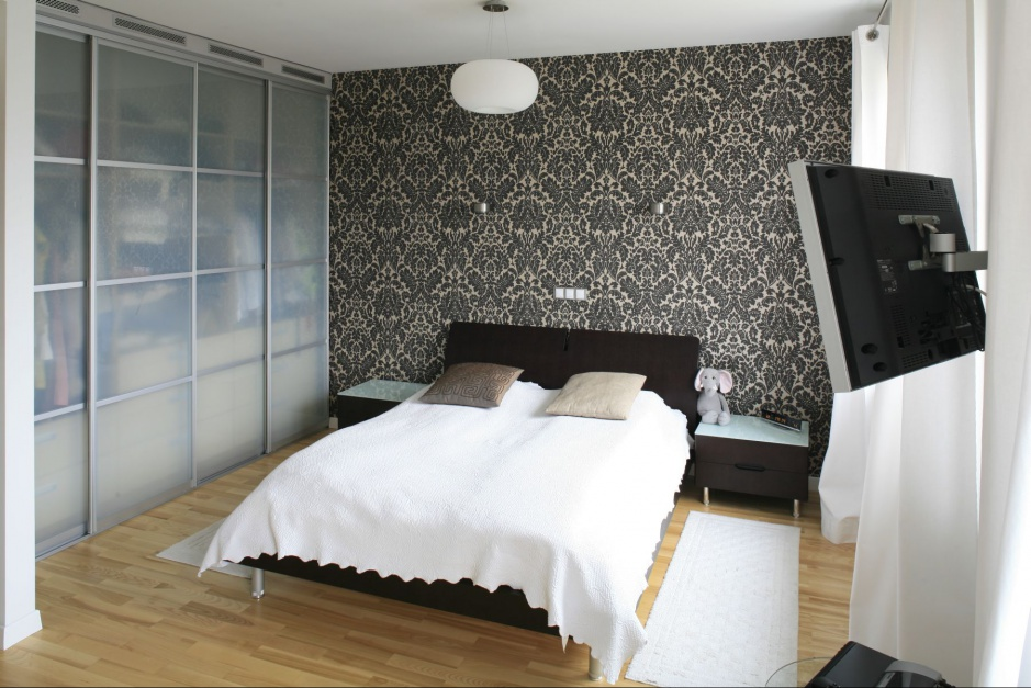 Szafa może być dekoracją...  Nowoczesna sypialnia. Modne pomysły na wnętrze w szarościach ...