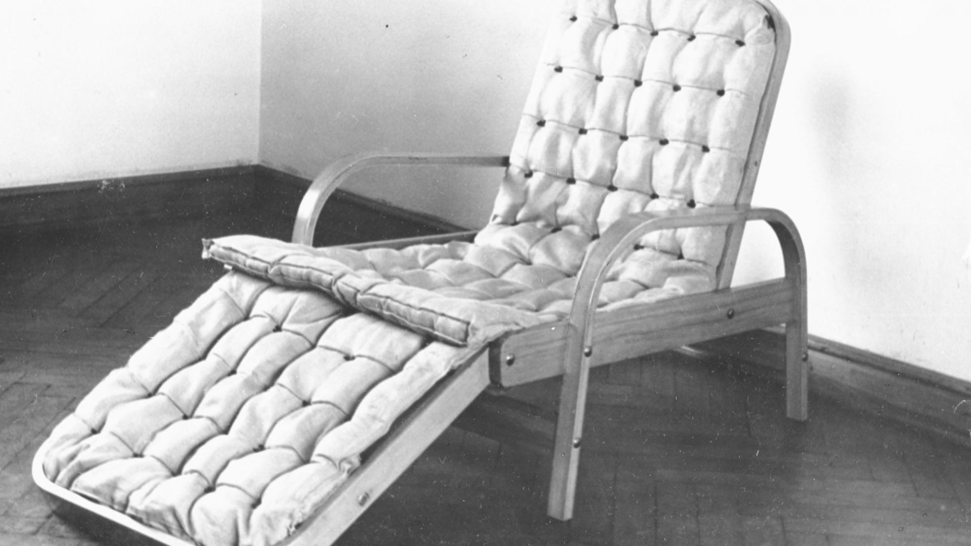 Tadeusz Kasprzycki, Fotel-leżanka, 1949, dzięki uprzejmości Instytutu Wzornictwa Przemysłowego. Fot. Materiały prasowe