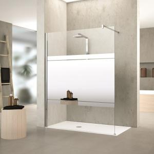 Szeroki pas lustra na szkle przezroczystym - kabina prysznicowa Kuadra H firmy Novellini. Fot. Novellini.